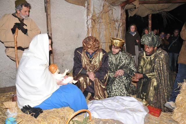 I Re Magi in visita al Bambinello, Presepe vivente di Sutera