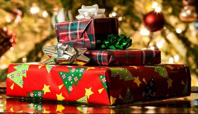 Per il Natale 2018 la media di acquisto degli italiani sarà di 9 regali...