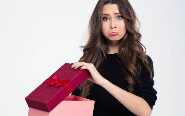 A Natale sono stati certamente parecchi i regali ricevuti da parenti e amici che, come dire... non hanno rispecchiato esattamente i nostri gusti...