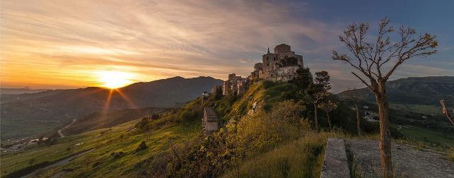 Petralia Soprana al tramonto