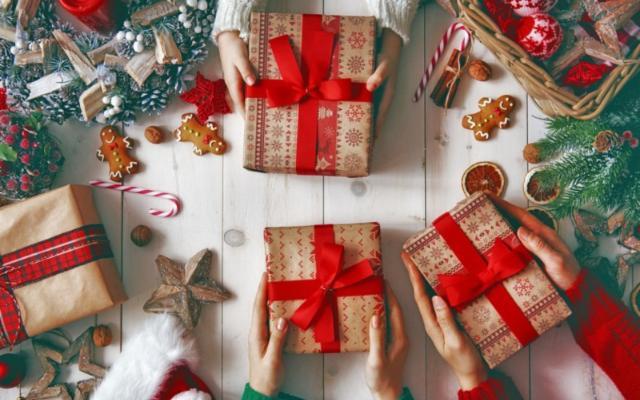Storie, usi e curiosità sui Regali di Natale