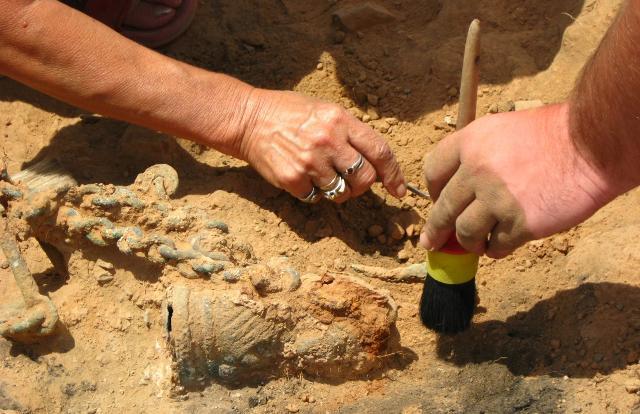 La Regione Siciliana ha finanziato otto cantieri, tra scavi e restauri archeologici, per un totale di 500mila euro.