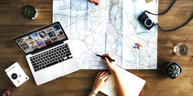 I consulenti di viaggio sono professionisti che vendono viaggi su misura, con la particolarità di non essere legati a sedi e orari di agenzia ma incontrando i clienti a domicilio, con orari flessibili.