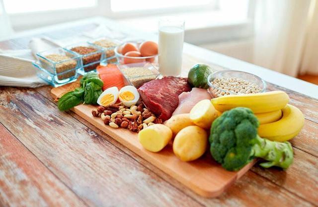 """Alcuni alimenti della Dieta Flexitariana, una scelta alimentare sostenibile e """"flessibile"""". Un compromesso tra dieta vegetariana e consumo contenuto - e il più possibile attento - di proteine animali"""