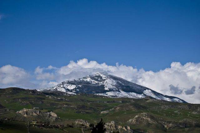 sopra-i-monti-di-palazzo-adriano-e-della-valle-del-sosio