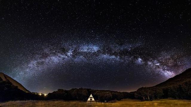 La Via Lattea sopra Piano Battaglia - foto tratta dal web