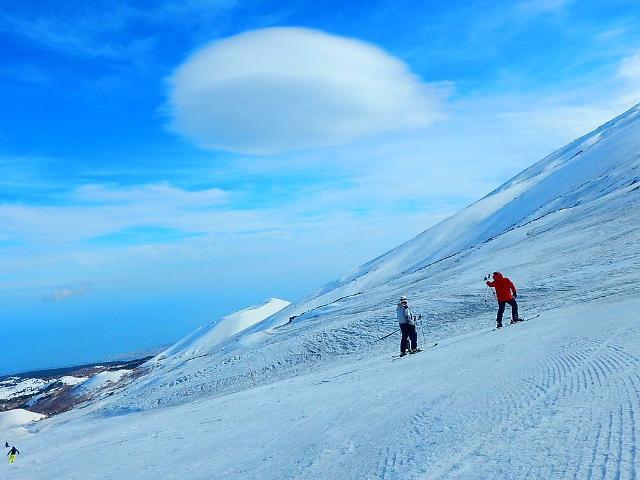L'inizio della stagione sciistica sull'Etna in genere cade tra Dicembre e Gennaio
