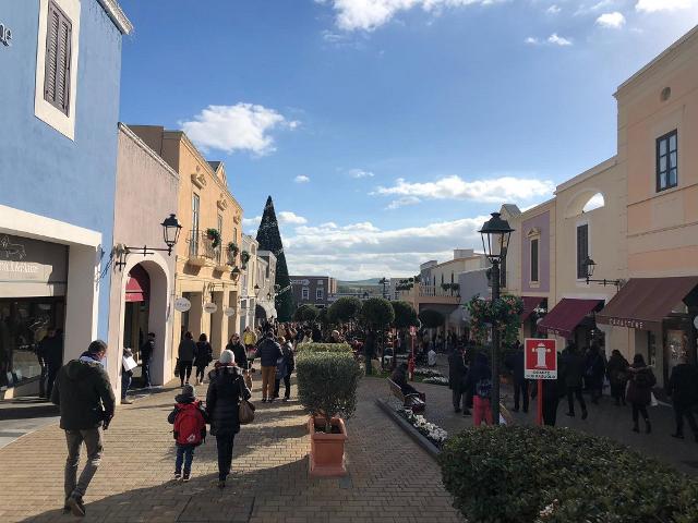 Sono partiti ieri i saldi invernali a Sicilia Outlet Village, negli oltre 140 negozi dei marchi più prestigiosi
