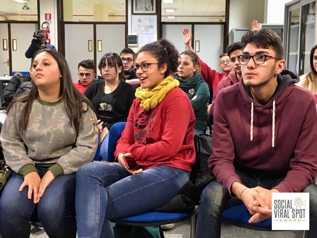 """Il progetto """"Social Viral Spot Award"""" si sta svolgendo con gli studenti degli istituti professionali E. Fermi, F. Eredia e P. L. Deodato di Catania"""