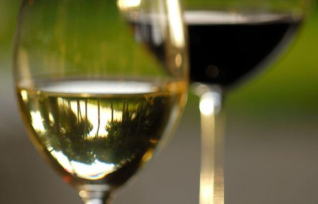 Tra i soci del Consorzio di tutela vini Doc Sicilia, ci sono anche produttori non siciliani, dal Nord Italia, ma anche dall'Estero