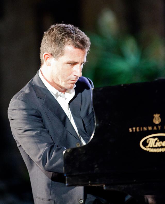 plays-the-music-concerto-di-san-valentino-con-bepi-garsia