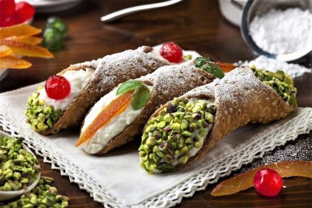 I Cannoli Siciliani, un dolce per il quale vale la pena fare un viaggio in Sicilia