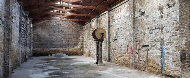 Uno dei quattro capannoni concessi dal Comune di Palermo a Legambiente