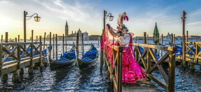 In Italia, la celebrazione carnevalessca più conosciuta, sia entro i confini nazionali, sia all'estero, è sicuramente quella che si tiene a Venezia...