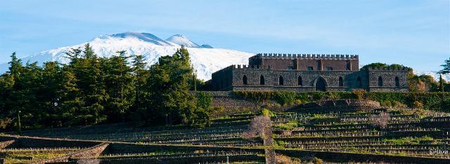 Il Castello di Solicchiata e l'Etna