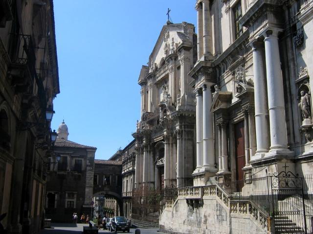 La chiesa di San Benedetto a Catania, in Via Crociferi