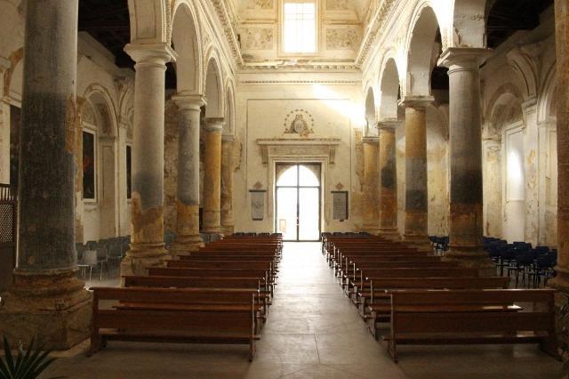 La navata centrale della Chiesa Madre di Sambuca di Sicilia