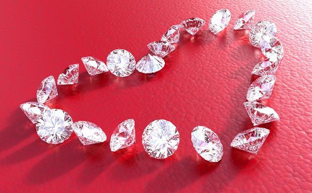 Tra i regali di San valentino più classici anche i gioielli sono un vero must...