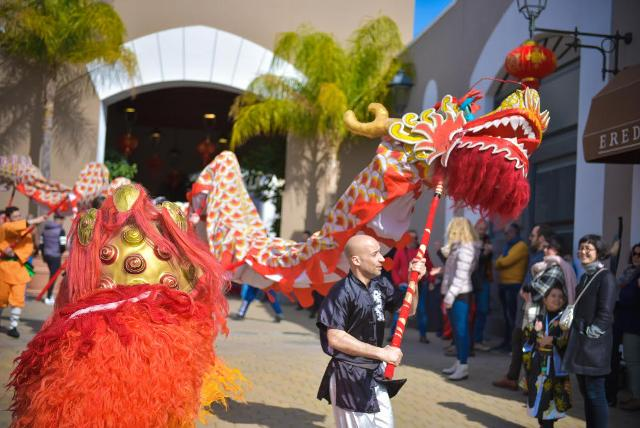 La danza del Drago sarà il momento culmine dei festeggiamenti del Capodanno Cinese ad animare il Sicilia Outlet Village