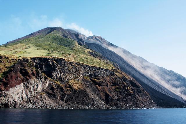 Eruzione del vulcano di Stromboli - ph Ghost-in-the-Shell