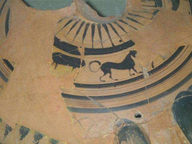 Frammento di ceramica, secolo VI, nel museo di San Cipirello - ph Enzian44
