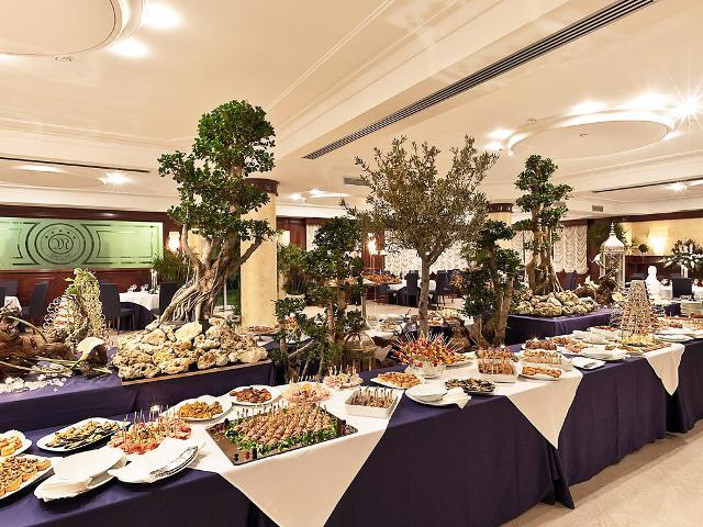 Il ristorante Nesos del Grand Hotel Minareto di Siracusa