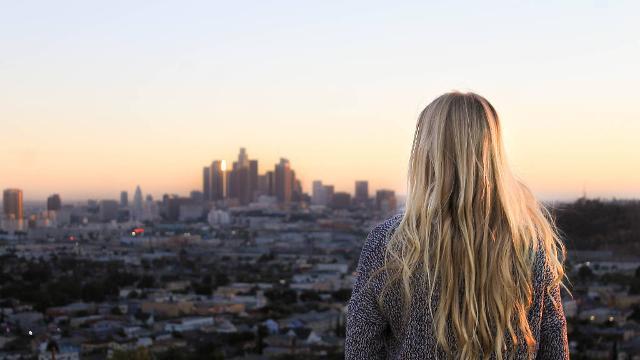 """Per gli """"infedeli"""" nella fascia d'età tra i 25 e i 34 anni la meta più intrigante dove consuamare il tradimento è una delle città dei vip, come Los Angeles o New York"""