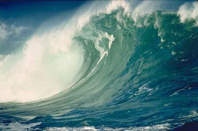 Una grande onda di tsunami