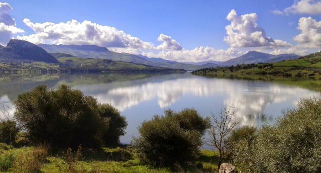 Il Lago Rosamarina - ph I Nuovi Vespri