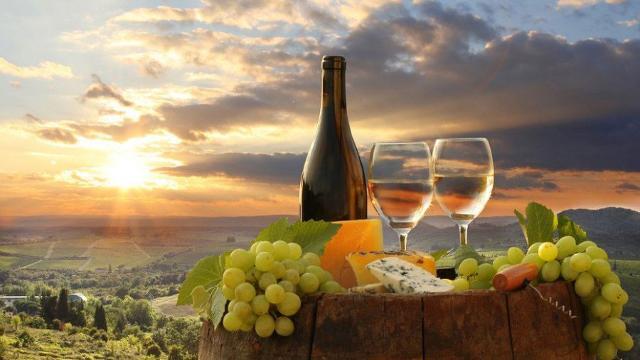 Crescono i turisti in cerca di buon cibo e vino...
