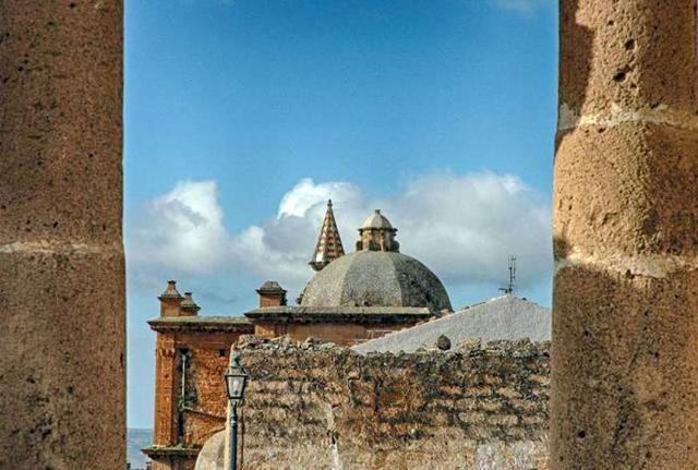 Veduta del campanile della Chiesa Madre di Sambuca di Sicilia