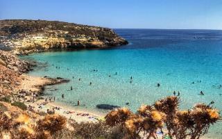 La Spiaggia dei Conigli è la spiaggia più bella d'Italia