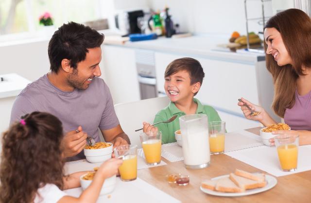 La prima colazione è un pasto fondamentale per tutti ed in particolare per bambini e ragazzi in età scolare...