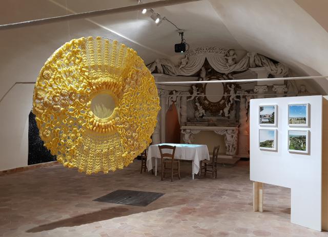 Una delle sale dell'Ecomuseo del Grano e del Pane di Salemi. L'opera di Grazia Inserillo e le foto di Sandro Scalia