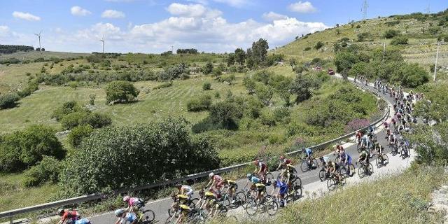 Il Giro d'Italia 2018 attraverso la campagna siciliana