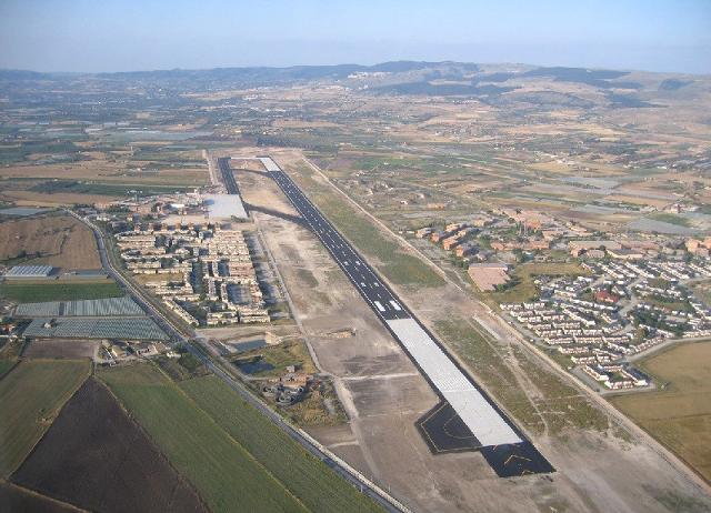 Pista dell'aeroporto di Comiso