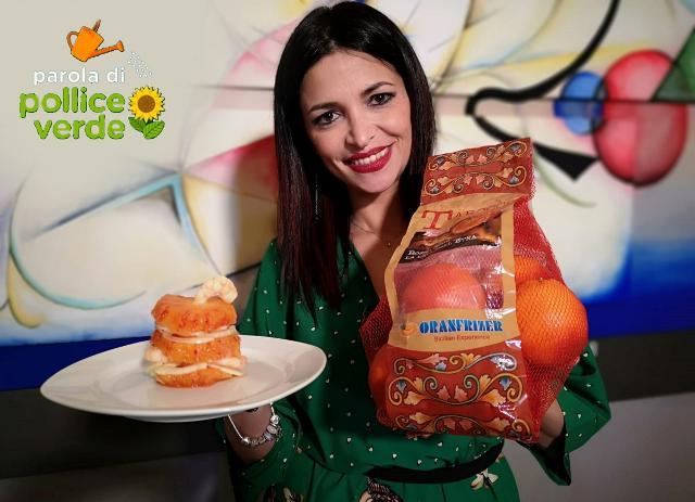 """Fata Zucchina (Renata Cantamessa) con la """"Millefoglie salata veloce"""", preparata con l'arancia rossa Tarocco Ippolito di Oranfrizer"""