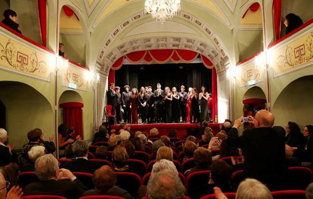 Finale di un concerto al Teatro Donnafugata di Ragusa Ibla