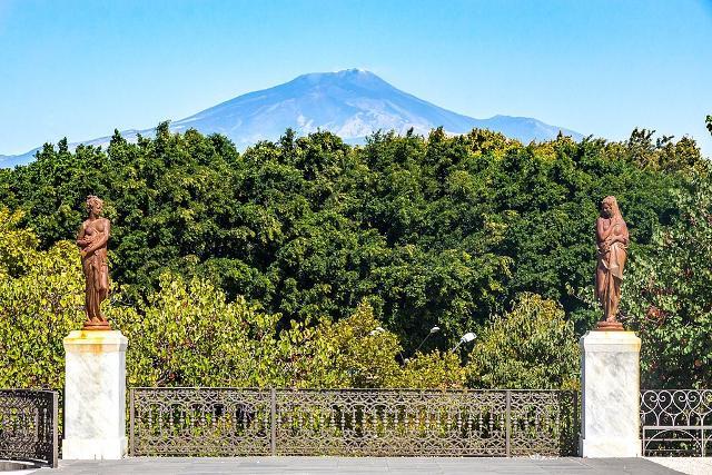 L'Etna visto da Villa Bellini - ph Matthias Süßen