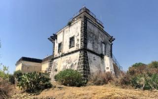 La burocrazia lascia ''spento'' il Faro di Capo Mulini