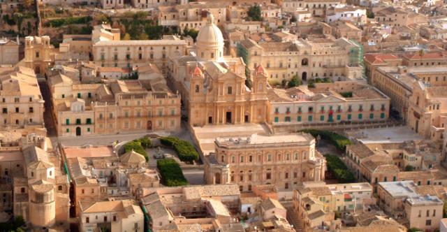 Sicilia Outlet Village sponsor del concerto di Andrea Bocelli e dell'esposizione di Igor Mitoraj a Noto