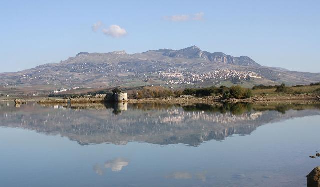 Panorama di Sambuca di Sicilia dal lago Arancio - ph Ennio Gurrera