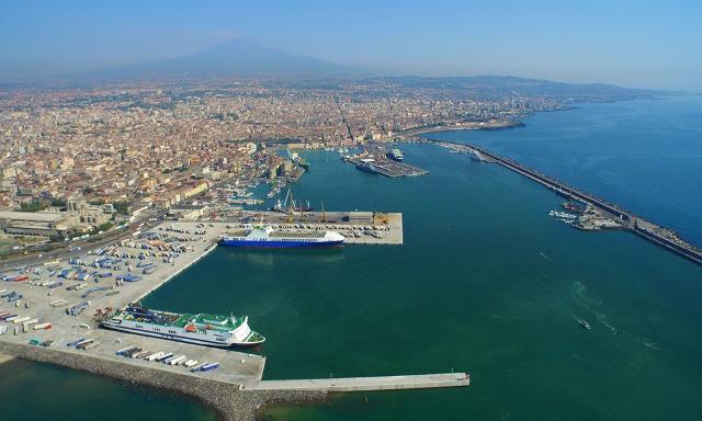 Molo di Levante del Porto di Catania