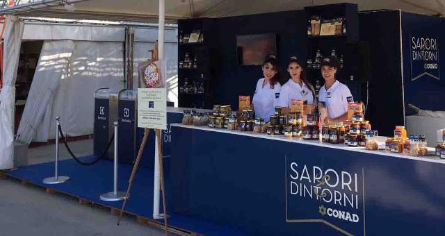 Lo stand Sapori & Dintorni al Cous Cous Fest