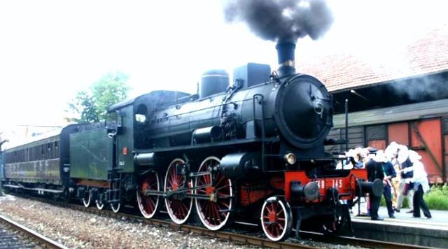 """Vaporiera del Gruppo 685 risalente al 1912 - """"Treni storici del gusto"""""""