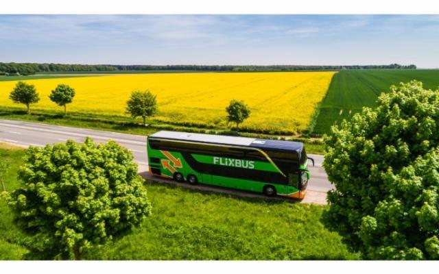 FlixBus investe sulla Sicilia per l'estate