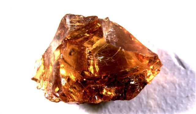 Il termine 'ambra' deriva dal greco 'elektron' che significa elettricità...