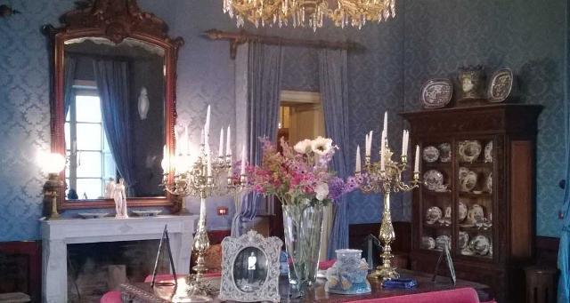 Una sala del castello della Falconara