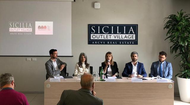 La Conferenza Stampa al Sicilia Outlet Village con Valentina Vezzali