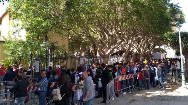 La fila all'ingresso di Villa Margherita per Trapani Comix